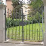 Sanierung denkmalgeschützter Zweiflügeltüre, verzinkt und pulverbeschichtet Patina Moderna