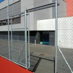 Manuelles Schiebetor mit Diagonalgeflecht, verzinkt